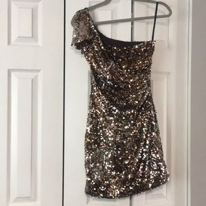 One shoulder sequins dress